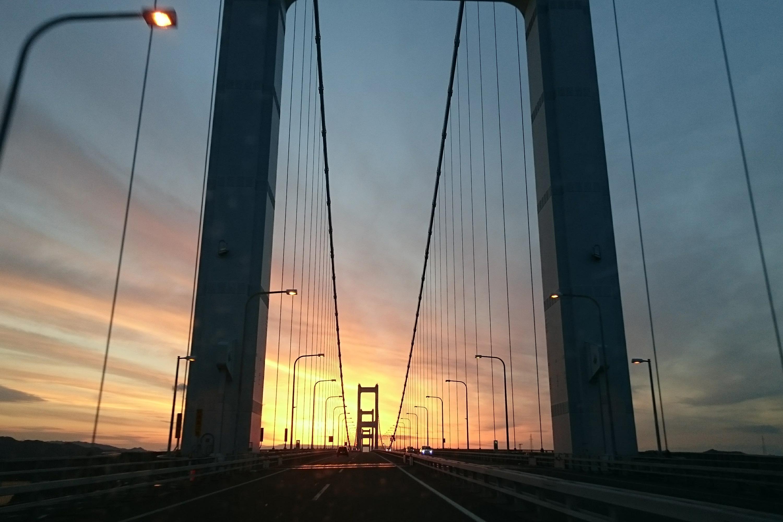 つり橋からの夕方の風景