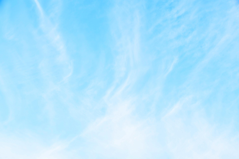 薄い雲のかかった空1